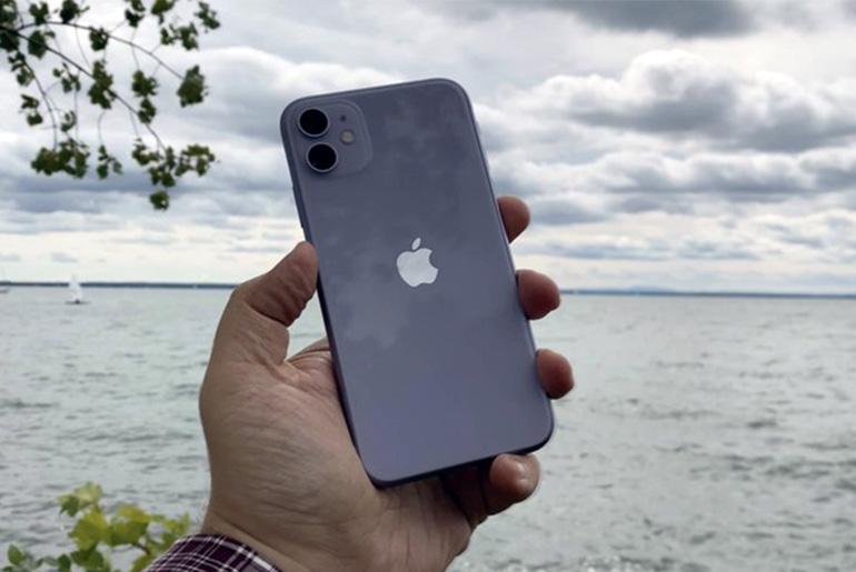 Фиолетовый iPhone 11