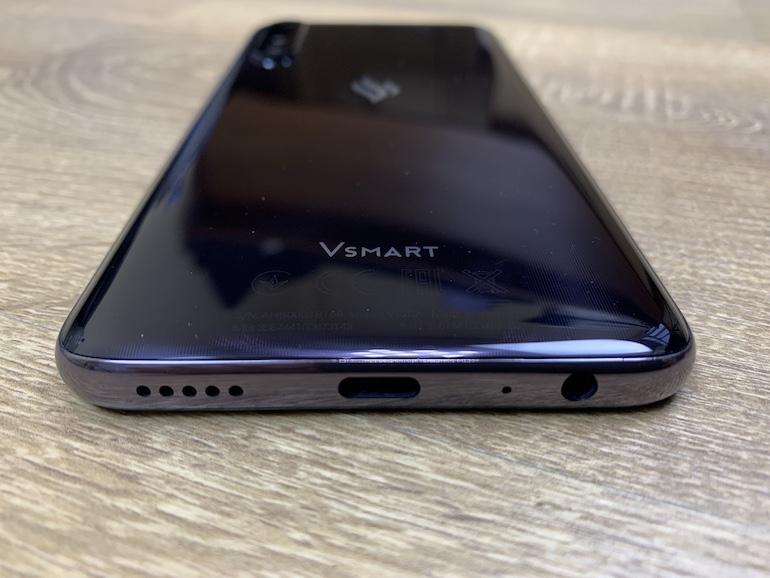 Обзор Vsmart Live