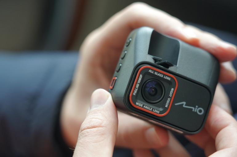 Видеорегистратор Mio MiVue C530 GPS — бюджетно и надёжно
