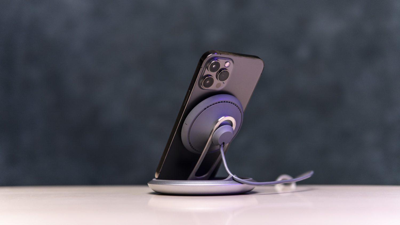 Чем заряжать iPhone? Обзор премиум гаджетов от Moshi: аккумулятор IonBank 10K и Qi-станция Lounge Q