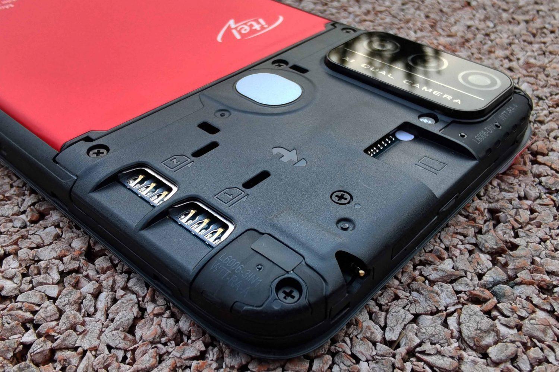 Itel A48 – недорогой смартфон для школьника